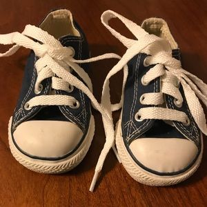 Converse All Stars size 4 never worn!